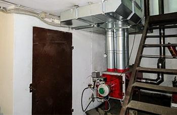 Автосервис 500 м.кв, воздушная печь ГрТ-3000. Стоит с 2014 года.